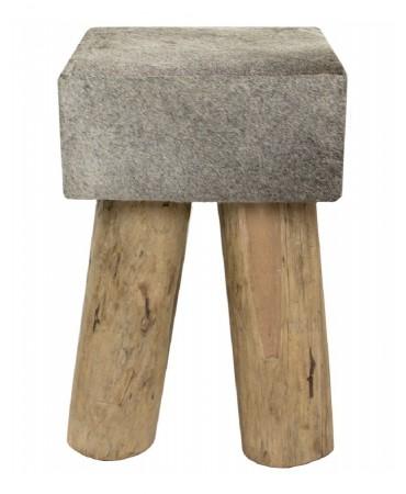 Dřevěná stolička s šedou hovězí kůží